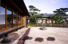 喫茶座敷から庭